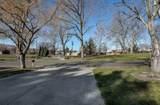 938 Memorial St - Photo 4