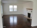 719 9th Ave - Photo 4