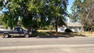 1203 E Mead Ave, Yakima, WA 98901 (MLS #17-1232) :: Heritage Moultray Real Estate Services