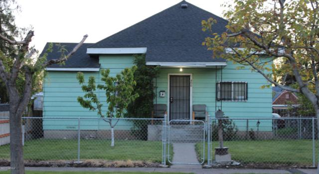 406 S 6th St, Yakima, WA 98901 (MLS #17-1033) :: Heritage Moultray Real Estate Services