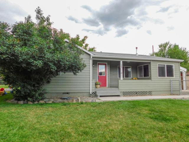 209 W 4th St, Naches, WA 98937 (MLS #17-1519) :: Results Realty Group