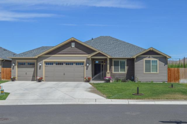 901 Magnum Ave, Moxee, WA 98936 (MLS #17-1537) :: Results Realty Group