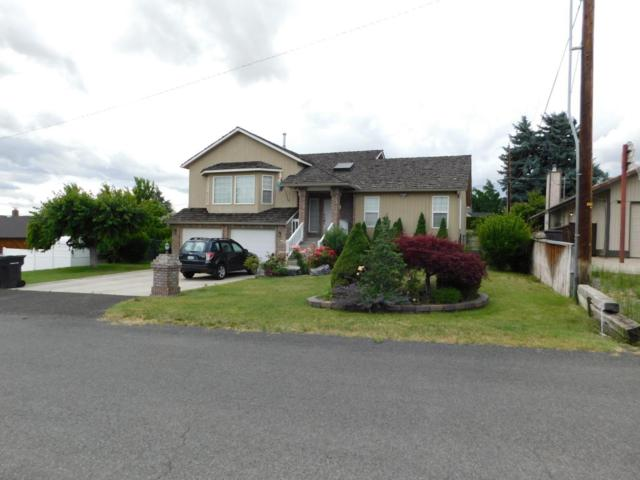 308 N 58th Ave, Yakima, WA 98908 (MLS #17-1544) :: Results Realty Group