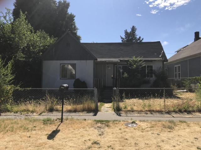 112 S 7th St, Yakima, WA 98901 (MLS #17-1657) :: Heritage Moultray Real Estate Services