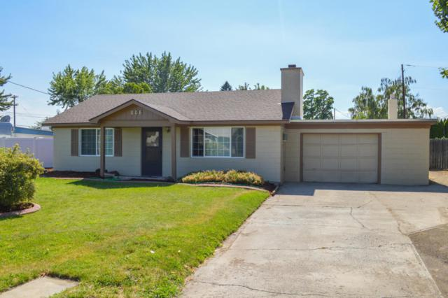 806 Lynn Pl, Yakima, WA 98901 (MLS #17-1779) :: Heritage Moultray Real Estate Services