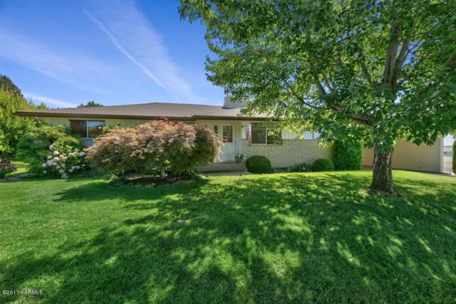 215 S 39th Ave, Yakima, WA 98908 (MLS #17-1829) :: Heritage Moultray Real Estate Services