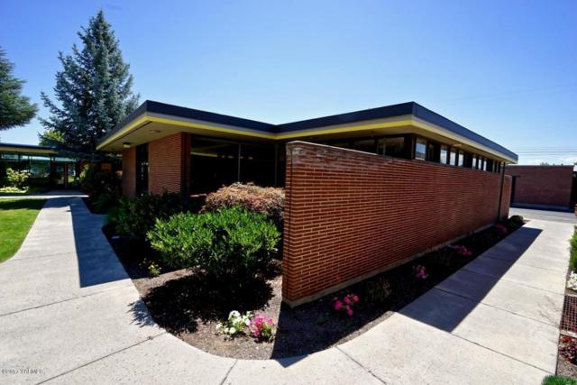 210 S 11th Ave 41 A&B, Yakima, WA 98902 (MLS #17-1856) :: Heritage Moultray Real Estate Services