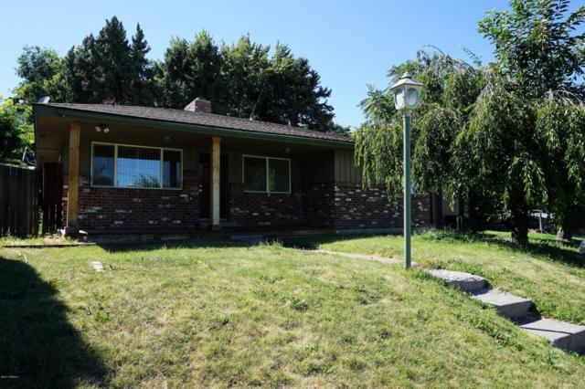 202 N 30th Ave, Yakima, WA 98902 (MLS #17-1859) :: Heritage Moultray Real Estate Services