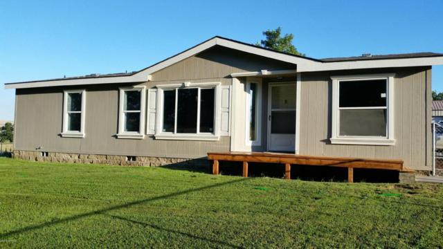 2030 Selah Lp Rd, Selah, WA 98942 (MLS #17-1871) :: Heritage Moultray Real Estate Services