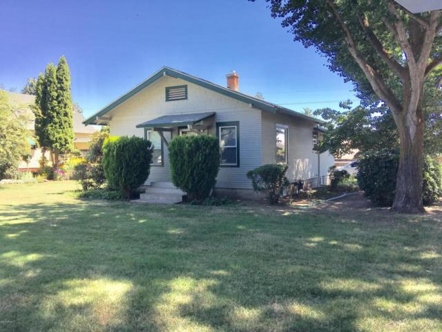 815 S 18th Ave, Yakima, WA 98902 (MLS #17-1874) :: Heritage Moultray Real Estate Services