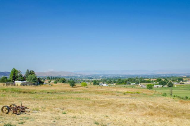NKA Davell Ln Lot A, Yakima, WA 98901 (MLS #17-1880) :: Heritage Moultray Real Estate Services