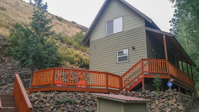 4810 N Fork Rd, Yakima, WA 98903 (MLS #17-2027) :: Heritage Moultray Real Estate Services