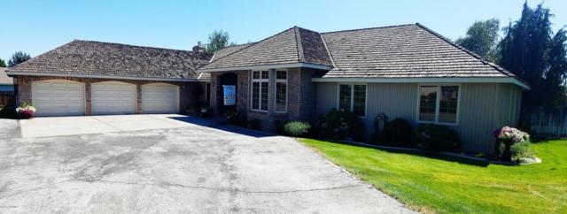 7505 Cascade Ct, Yakima, WA 98908 (MLS #17-2055) :: Heritage Moultray Real Estate Services