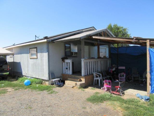 802 W Washington Ave, Yakima, WA 98903 (MLS #17-2070) :: Results Realty Group