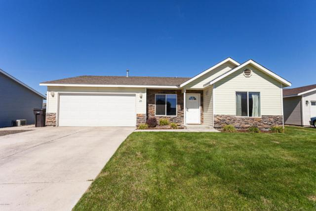 218 S 89th Ave, Yakima, WA 98908 (MLS #17-2073) :: Results Realty Group