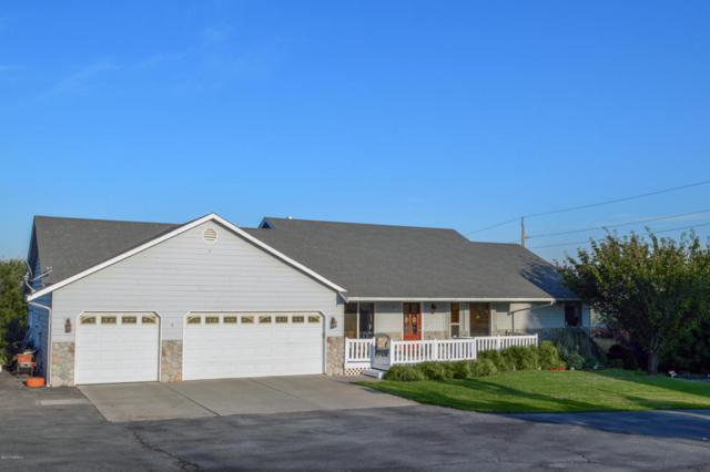 21 Gala Dr, Selah, WA 98942 (MLS #17-2298) :: Heritage Moultray Real Estate Services