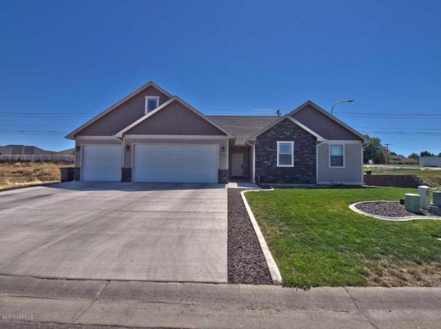 7504 Whitman Ave, Yakima, WA 98903 (MLS #17-2335) :: Heritage Moultray Real Estate Services