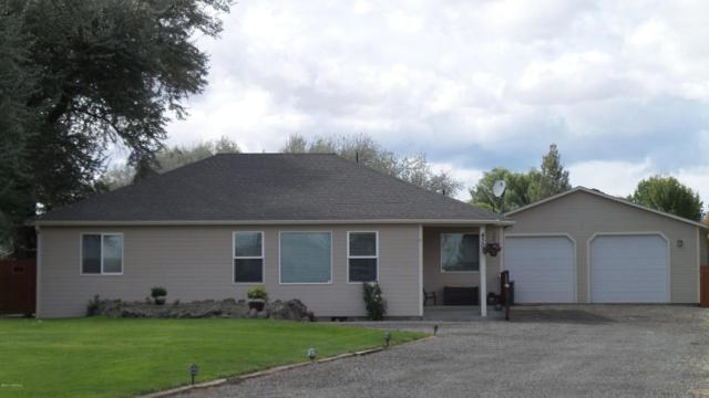 4307 Coolidge Pl, Yakima, WA 98903 (MLS #17-2402) :: Heritage Moultray Real Estate Services