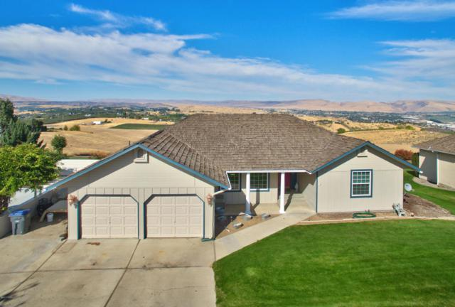 223 Lookout Point Dr, Selah, WA 98942 (MLS #17-2541) :: Results Realty Group