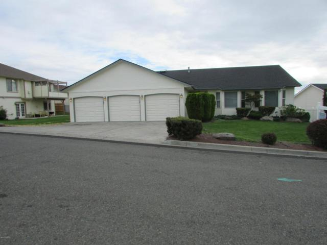 5602 Channel Dr, Yakima, WA 98901 (MLS #17-2567) :: Heritage Moultray Real Estate Services