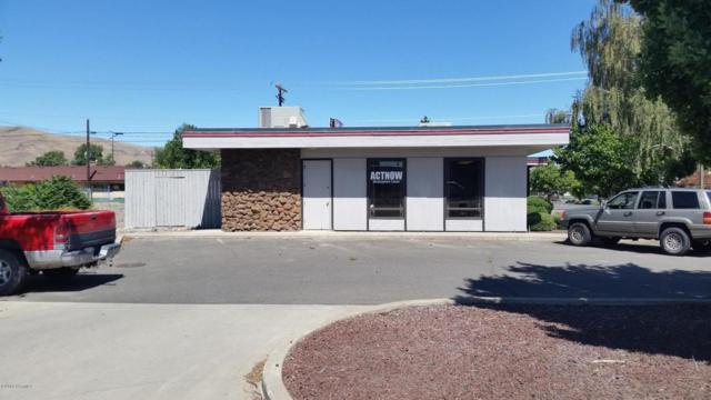 3 E G St, Yakima, WA 98902 (MLS #17-2569) :: Results Realty Group