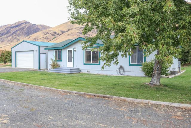 12746 Old Naches Hwy, Naches, WA 98937 (MLS #17-2585) :: Results Realty Group