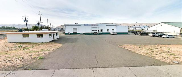 4 W Washington Ave, Yakima, WA 98903 (MLS #17-2622) :: Results Realty Group