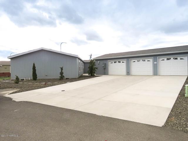 3701 Gun Club Rd #168, Yakima, WA 98901 (MLS #17-2748) :: Heritage Moultray Real Estate Services