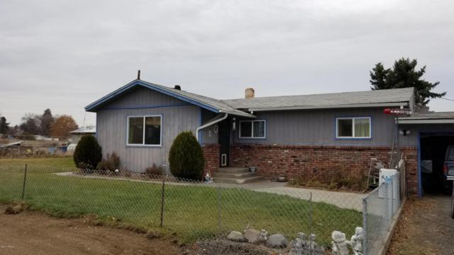 762 Lancaster Rd, Selah, WA 98942 (MLS #17-2782) :: Heritage Moultray Real Estate Services