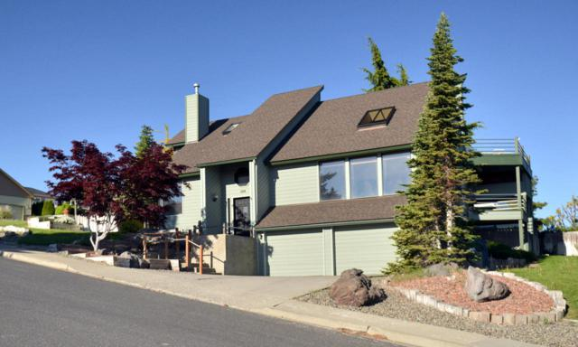 104 N 13th St, Selah, WA 98942 (MLS #17-2808) :: Heritage Moultray Real Estate Services