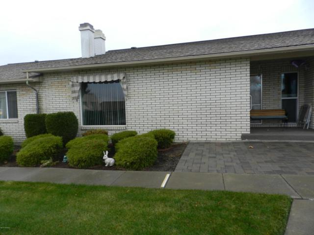 5701 W Chestnut Ave #4, Yakima, WA 98908 (MLS #17-2871) :: Heritage Moultray Real Estate Services