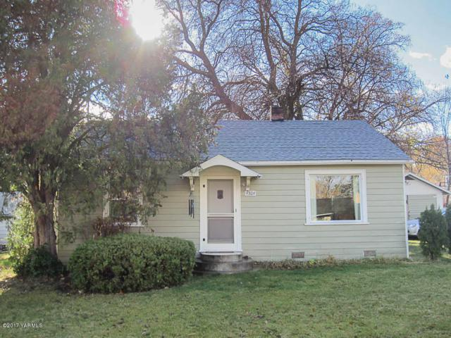 4304 W Chestnut Ave, Yakima, WA 98908 (MLS #17-2872) :: Heritage Moultray Real Estate Services