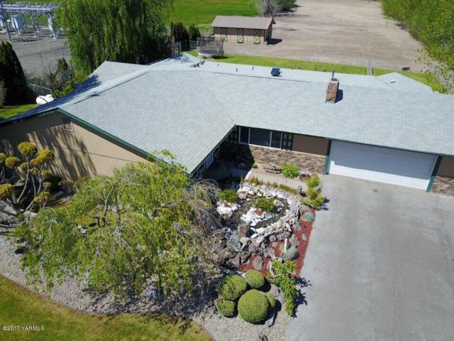 231 Hexon Rd, Selah, WA 98942 (MLS #17-2873) :: Heritage Moultray Real Estate Services