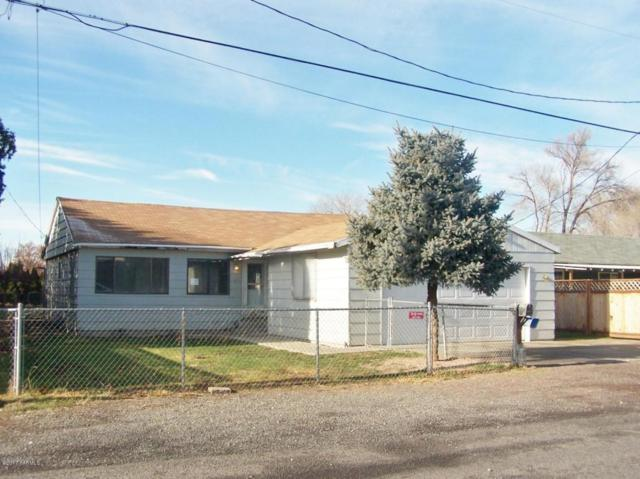 2608 S 1st Ave, Union Gap, WA 98903 (MLS #17-2887) :: Results Realty Group