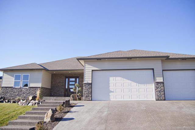 708 N 74th Ave, Yakima, WA 98908 (MLS #17-2903) :: Heritage Moultray Real Estate Services