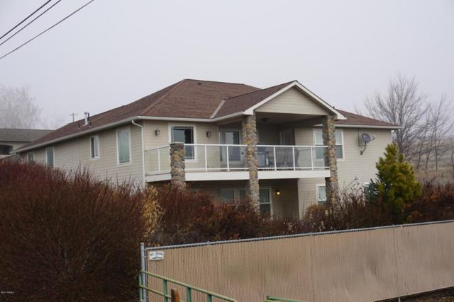 2403 S 86th Ave, Yakima, WA 98903 (MLS #17-2936) :: Heritage Moultray Real Estate Services