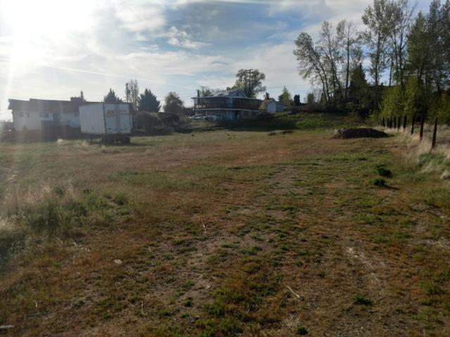4708 Maple Ave, Yakima, WA 98901 (MLS #18-1039) :: Heritage Moultray Real Estate Services