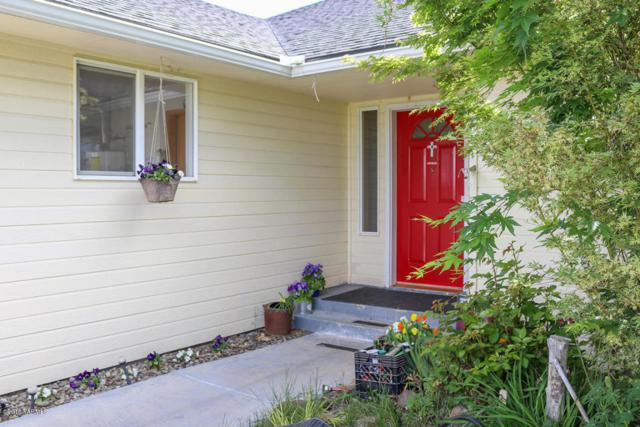 700 Pheasant Crest Dr, Yakima, WA 98908 (MLS #18-1137) :: Heritage Moultray Real Estate Services