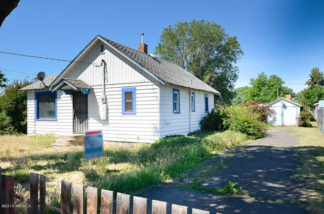 1704 S 7th Ave, Yakima, WA 98902 (MLS #18-1224) :: Results Realty Group