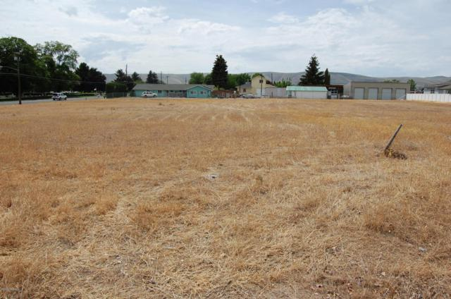 1510 S 24th Ave, Yakima, WA 98902 (MLS #18-1268) :: Results Realty Group
