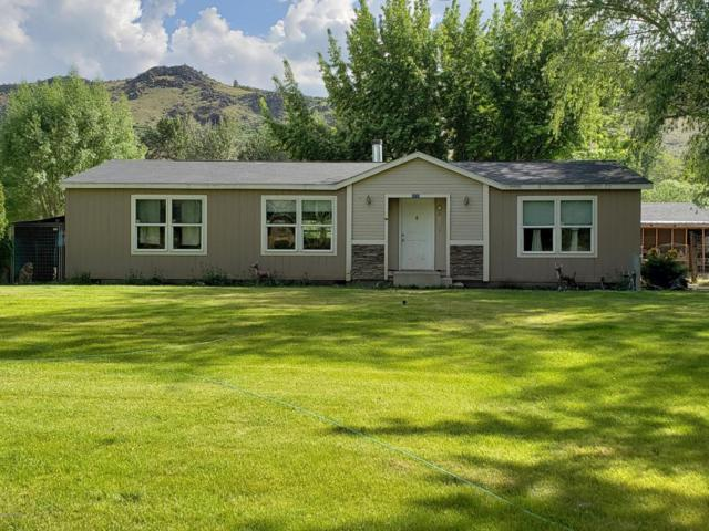 11930 Us Hwy 12 Ave, Naches, WA 98937 (MLS #18-1271) :: Results Realty Group