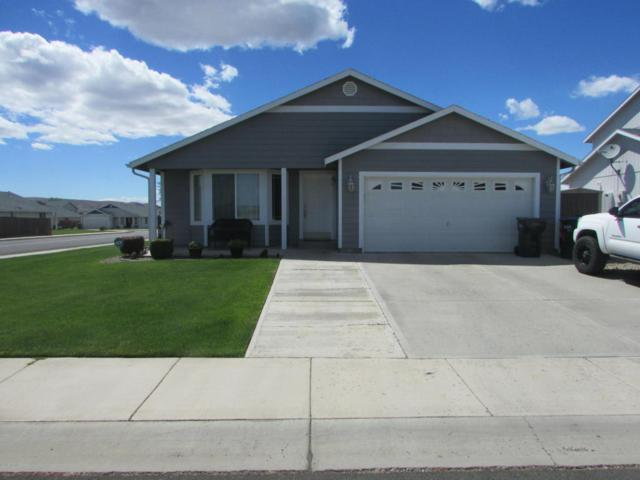 102 N Glacier St, Moxee, WA 98936 (MLS #18-1605) :: Heritage Moultray Real Estate Services