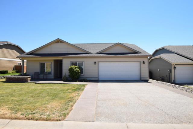4002 Seasons Pky, Yakima, WA 98901 (MLS #18-1698) :: Heritage Moultray Real Estate Services