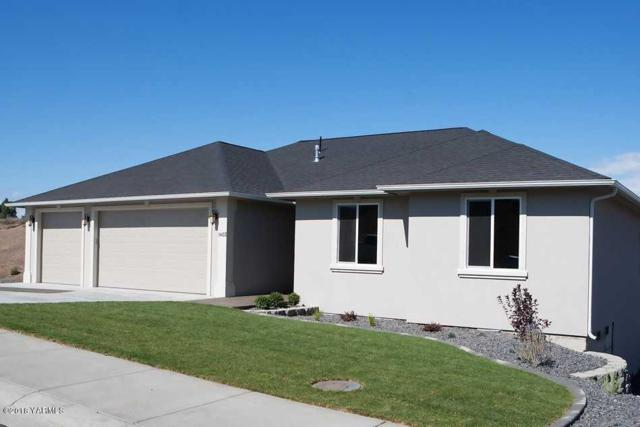 212 N 90th Ave, Yakima, WA 98908 (MLS #18-1704) :: Heritage Moultray Real Estate Services