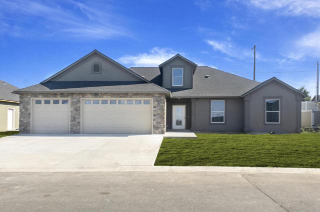 7102 Vista Ridge Ave #11, Yakima, WA 98903 (MLS #18-1740) :: Heritage Moultray Real Estate Services