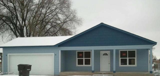 214 E T St, Yakima, WA 98901 (MLS #18-1757) :: Results Realty Group