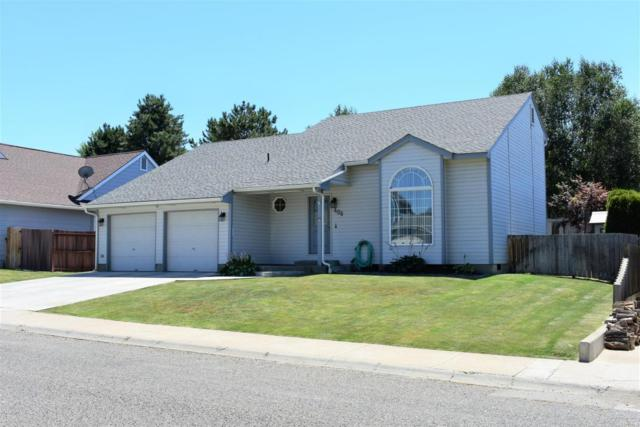406 Glenwood Dr, Zillah, WA 98953 (MLS #18-1760) :: Results Realty Group
