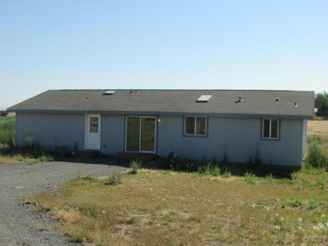 12451 Progressive Rd, Harrah, WA 98933 (MLS #18-1846) :: Results Realty Group
