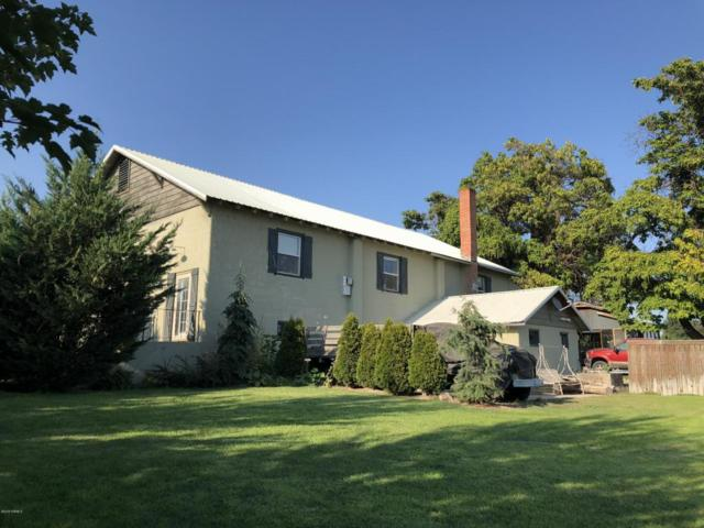 2241 S Euclid Ave, Grandview, WA 98930 (MLS #18-2011) :: Heritage Moultray Real Estate Services