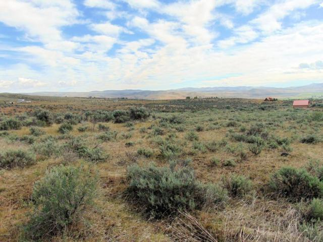 NKA Badger Dr, Selah, WA 98942 (MLS #18-2051) :: Heritage Moultray Real Estate Services
